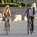 Leonardo DiCaprio and Erin Heatherton bike riding in New York 117653