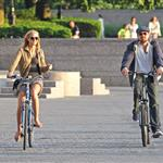 Leonardo DiCaprio and Erin Heatherton bike riding in New York 117654