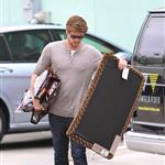 Liam Hemsworth picks up some supplies at a pet store Los Angeles 113182