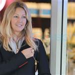 Heather Locklear buys $30K ring from Tiffany in Vancouver 71575