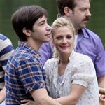 Drew Barrymore and Justin Long kissing on a boat shooting scene for Going the Distance 44237