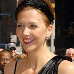 Maggie Gyllenhaal at Letterman to promote The Dark Knight 22615