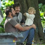 Guillaume Canet plays with his son Marcel in New York 114920