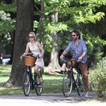 Michael Sheen Rachel McAdams go for bike ride in Toronto July 2011 90029