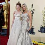 Miley and Tish Cyrus at the 2010 Oscars  56328