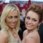 Miley and Tish Cyrus at the 2010 Oscars  56335