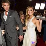 Liam Hemsworth and Miley Cyrus at the 2012 People's Choice Awards 102559