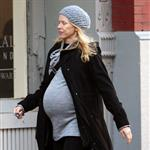 Pregnant Naomi Watts in New York yesterday looking like she's pretty ready 27382