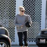 Emma Stone leaves pilates class April 2011 82712