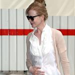 Nicole Kidman heads into her hotel in Paris 123392