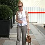 Nicole Kidman heads into her hotel in Paris 123396