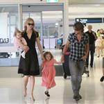 Nicole Kidman and Keith Urban with their daughters at the Sydney airport  107738