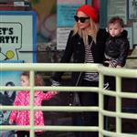 Nicole Richie takes her kids out to the indoor playground January 2011 76098