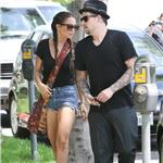 Nicole Richie Joel Madden together to see an art show August 2010  66401