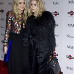 Mary Kate and Ashley Olsen at the NY premiere of Nine 52269