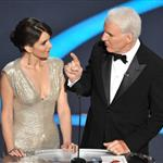 Tina Fey presents at Oscars 2009 with Steve Martin 33348