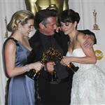 Sean Penn with Kate Winslet and Penelope Cruz after winning Best Actor at Oscars 2009 33541
