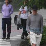 Owen Wilson and a mystery girlfriend hike Grouse Mountain in May 2010 76513