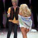 Pamela Anderson exposes herself on the runway in New Zealand 47720