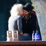 Pamela Anderson serves Rick Salomon with divorce papers and heads home to Vancouver with sons 15992
