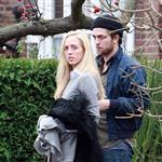 Robert Pattinson in London with his sister 52697
