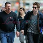 Robert Pattinson leaves Vancouver headed for the Cannes Film Festival 39210