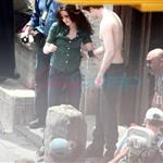 Kristen Stewart with shirtless Robert Pattinson shooting New Moon in Italy 39899