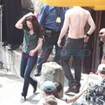 Kristen Stewart with shirtless Robert Pattinson shooting New Moon in Italy 39902