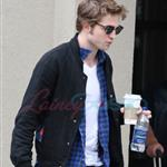 Robert Pattinson out and about in Vancouver on Sunday afternoon 37127