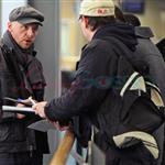 Simon Pegg arrives in Vancouver for MI:4 74046