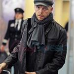 Simon Pegg arrives in Vancouver for MI:4 74047