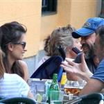 Penelope Cruz and Javier Barden dine with friends in Madrid 121059
