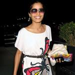Freida Pinto and Dev Patel dry to duck from paps in New York 43396