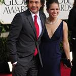 Robert Downey Jr with his wife at the Golden Globes 2011 76965