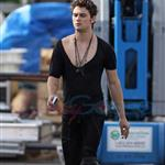 Shiloh Fernandez on set of Red Riding Hood in Vancouver 65814