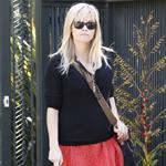 Reese Witherspoon leaves a friend's house in Brentwood 109473