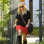 Reese Witherspoon leaves a friend's house in Brentwood 109481