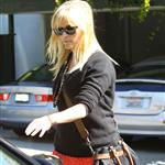 Reese Witherspoon leaves a friend's house in Brentwood 109484