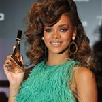 Rihanna in green to launch her fragrance in London  92383