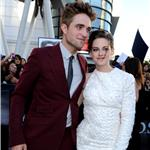 Kristen Stewart and Robert Pattinson at the Eclipse premiere in LA 64058