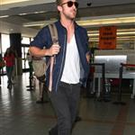 Ryan Gosling flies out of LAX to Montreal with Eva Mendes 116413