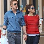 Ryan Gosling and Eva Mendes hold hands on a romantic walk in NYC 114217