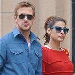 Ryan Gosling and Eva Mendes hold hands on a romantic walk in NYC 114224