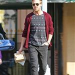 Ryan Gosling goes for lunch with a friend in New York City 110979