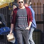 Ryan Gosling goes for lunch with a friend in New York City 110982