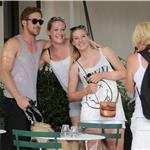 Ryan Gosling poses with fans in NYC 90072