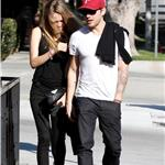 Ryan Phillippe out for lunch with mystery girl 101306