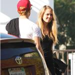 Ryan Phillippe out for lunch with mystery girl 101310