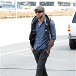 Ryan Reynolds goes for a walk alone at LAX while he waits for his ride 98631