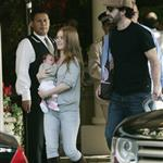Sacha Baron Cohen Isla Fisher arrange photo op with baby Olive 14757